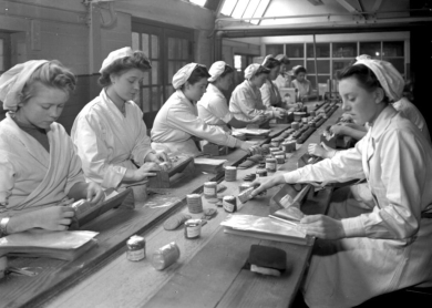 Women_at_Work_-_Wrights_Biscuits